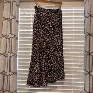 Zara Leopard print Skirt size Small